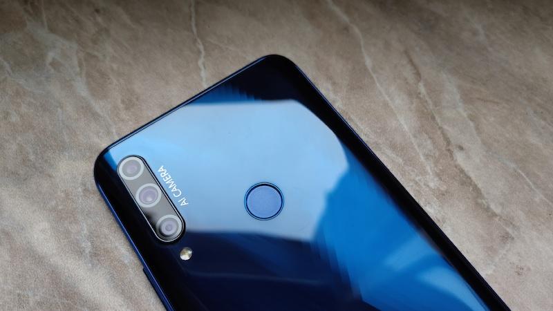 Обзор HONOR 9X Premium: недорогой смартфон может быть стильным