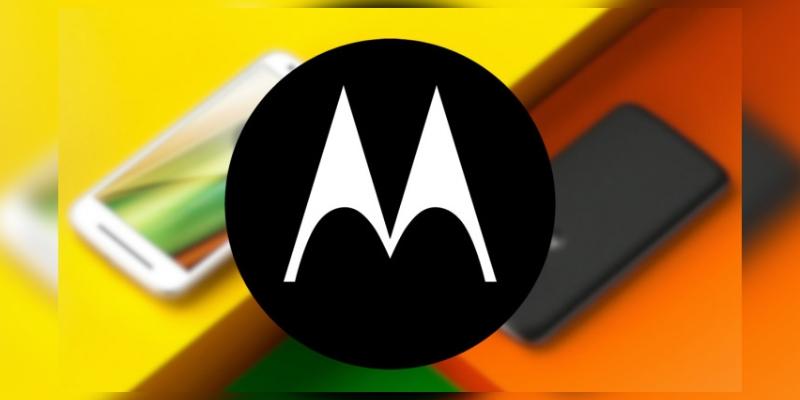 Motorola разослала приглашения на презентацию складного смартфона RAZR