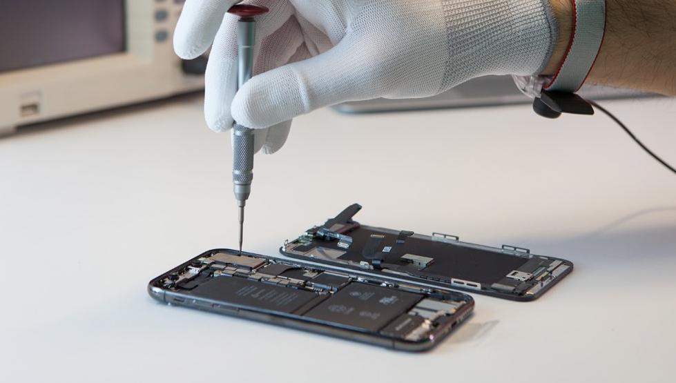 Как происходит ремонт смартфонов iPhone