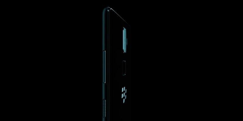 Представлены невозможно скучные смартфоны BlackBerry Evolve и Evolve X