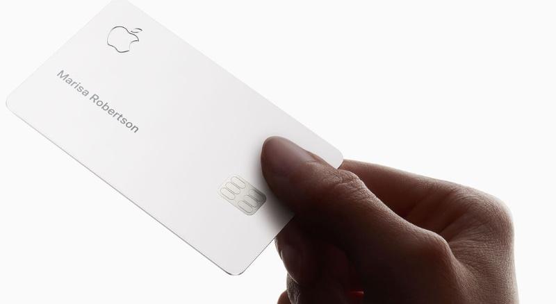 Стив Возняк раскритиковал кредитную карту Apple