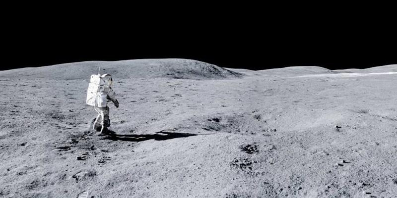 Стоит ли оставлять Луну стерильной?