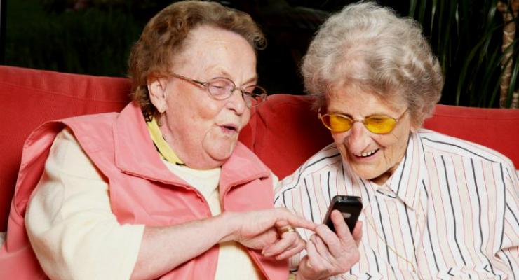 Как научить родителей пользоваться смартфоном?