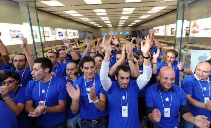 Откровенно: бывший сотрудник Apple Store рассказал об ужасах работы в самой богатой компании