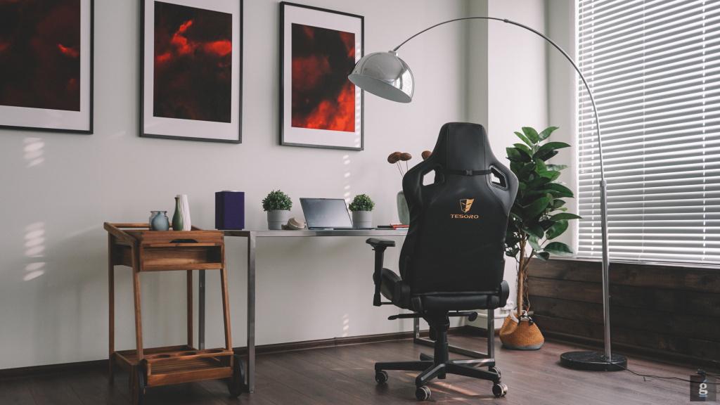 Геймерское кресло Tesoro Zone X