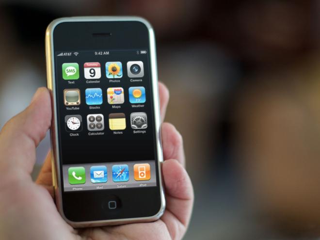 первый айфон