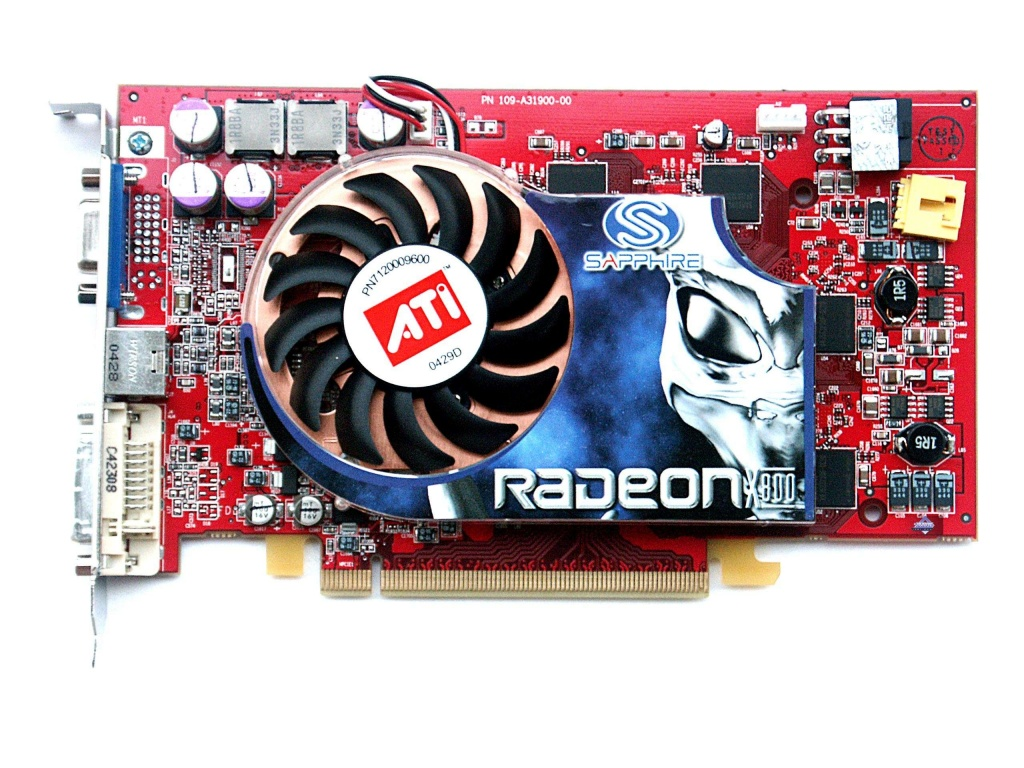 sapphire-x800xt-pcie-scan-front-with-cooler.jpg