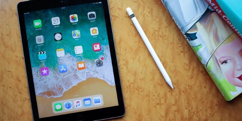 Apple выпустила новый 9,7-дюймовый iPad, предназначенный для школ истудентов