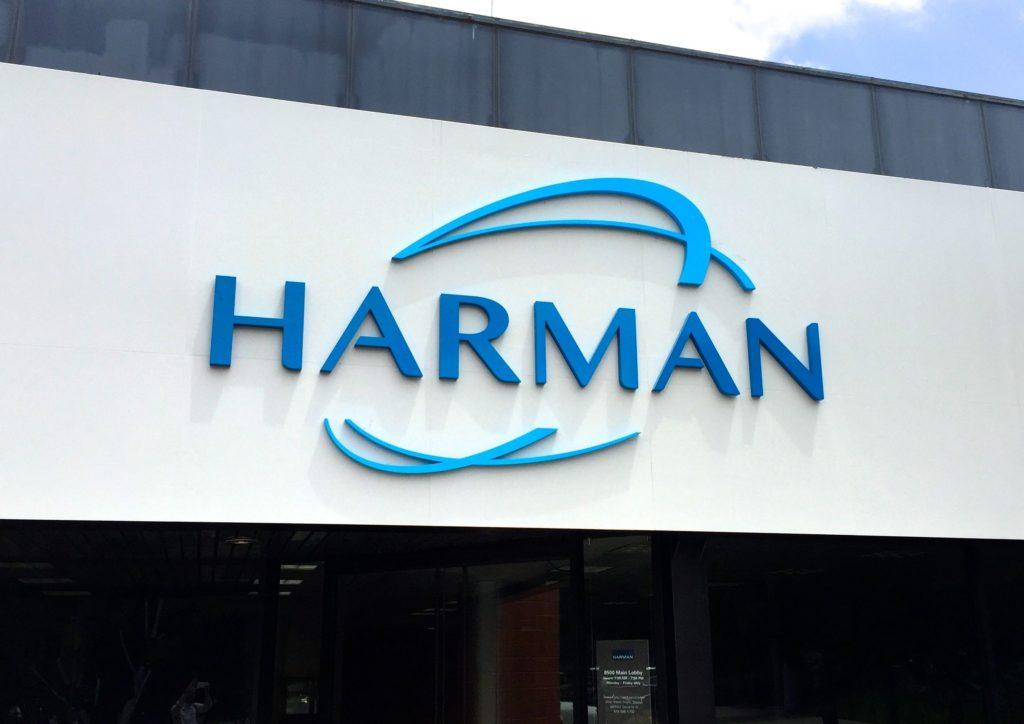 Компания Samsung приобрела компанию Harman за 8 млрд долларов