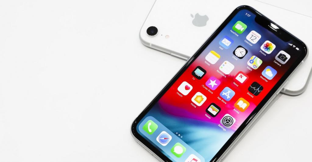 Поздний выход iPhone XR связан с серьезными проблемами при его производстве