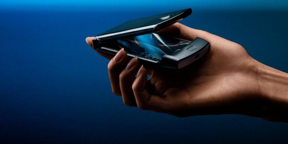 Huawei готовит конкурента для Motorola Razr