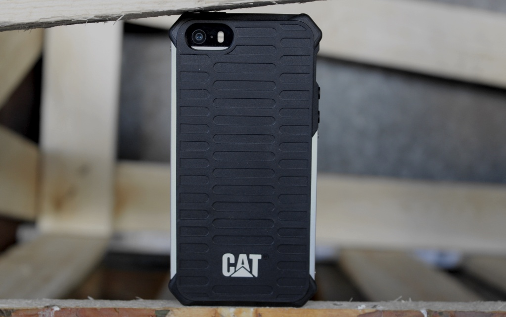 Обзор чехлов CAT Active Urban для iPhone 5s и iPad mini