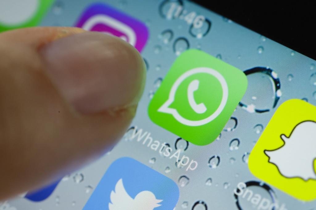 Упользователей WhatsApp сейчас есть возможность пересылать всевозможные файлы
