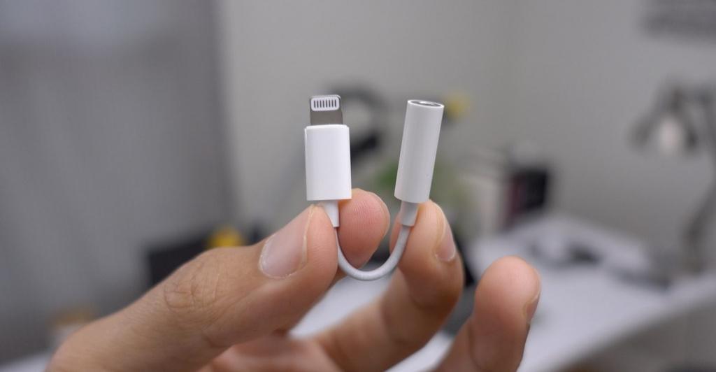 Без анонсов и предупреждений Apple убрала из комплекта новых партий iPhone  7 4e499b0caf4d0