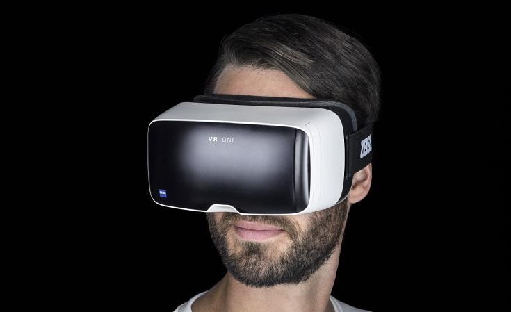 VR One от Карла Зейца