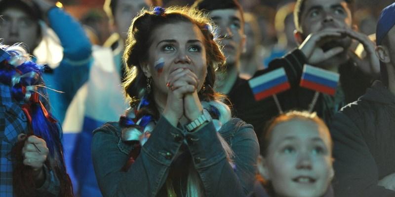 Обязательный «Мир», повышение квартплаты, обязательная слежка в мессенджерах и соцсетях. Как изменится жизнь россиян с 1 июля?