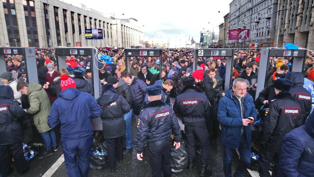 После митинга против изоляции рунета задержали неменее 10-ти человек