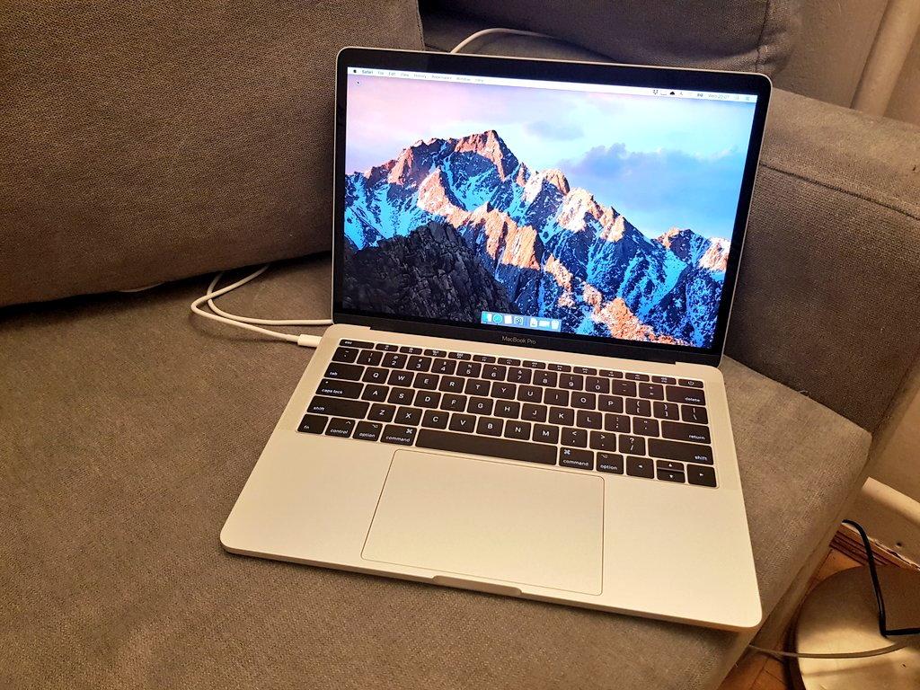 Macbook Pro 13,3 2017
