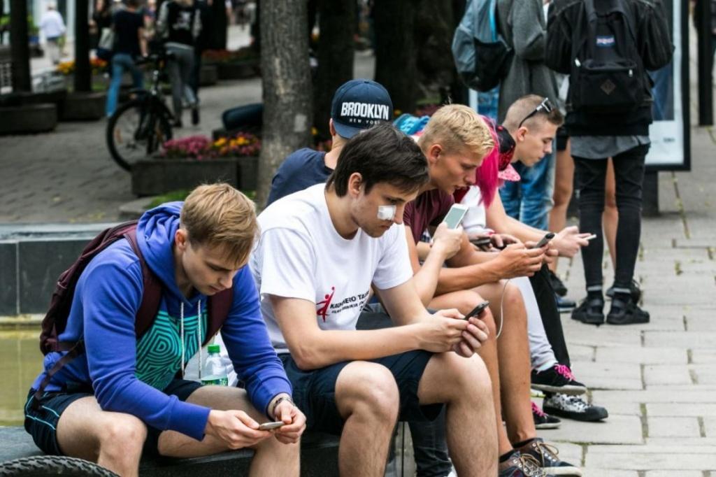 «Телефонная зависимость» негативно влияет наголовной мозг— Ученые