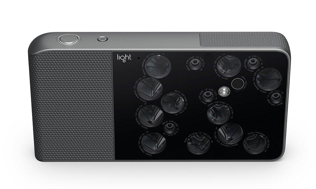 Камера сшестнадцатью объективами Light L16 даст возможность получать 52-мегапиксельные фотографии