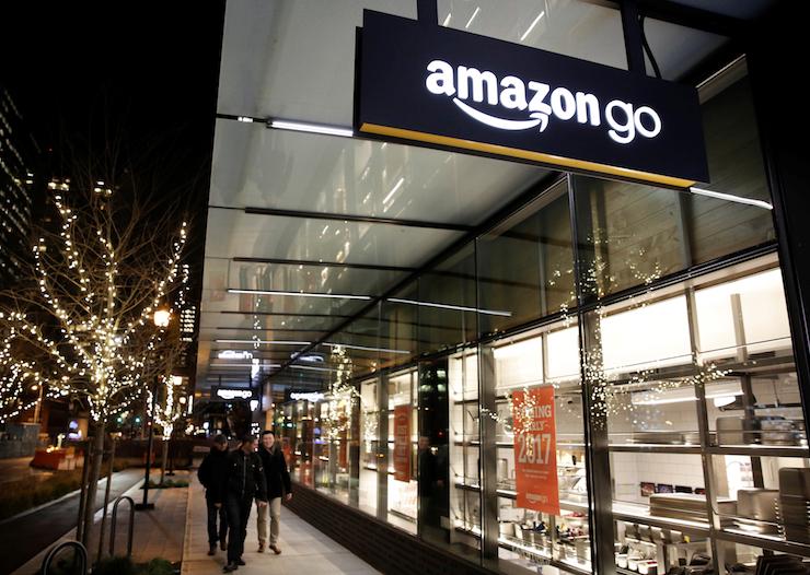 Первый розничный магазин Amazon