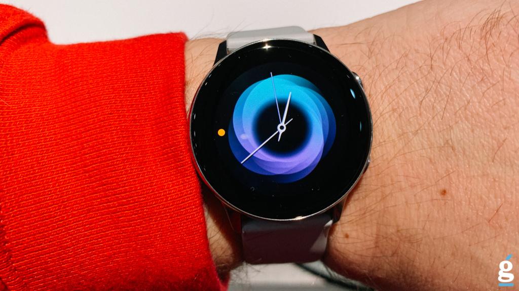 04281ea6 ... компания Samsung представила очередную модель фирменных смарт-часов.  Помимо уже привычной функции отслеживания пульса, Galaxy Watch Active  получили ...