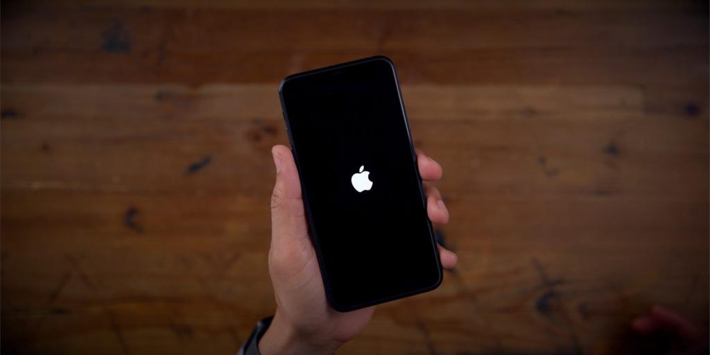 Apple перестала подписывать iOS 13.5.1. Откатиться с iOS 13.6 не получится