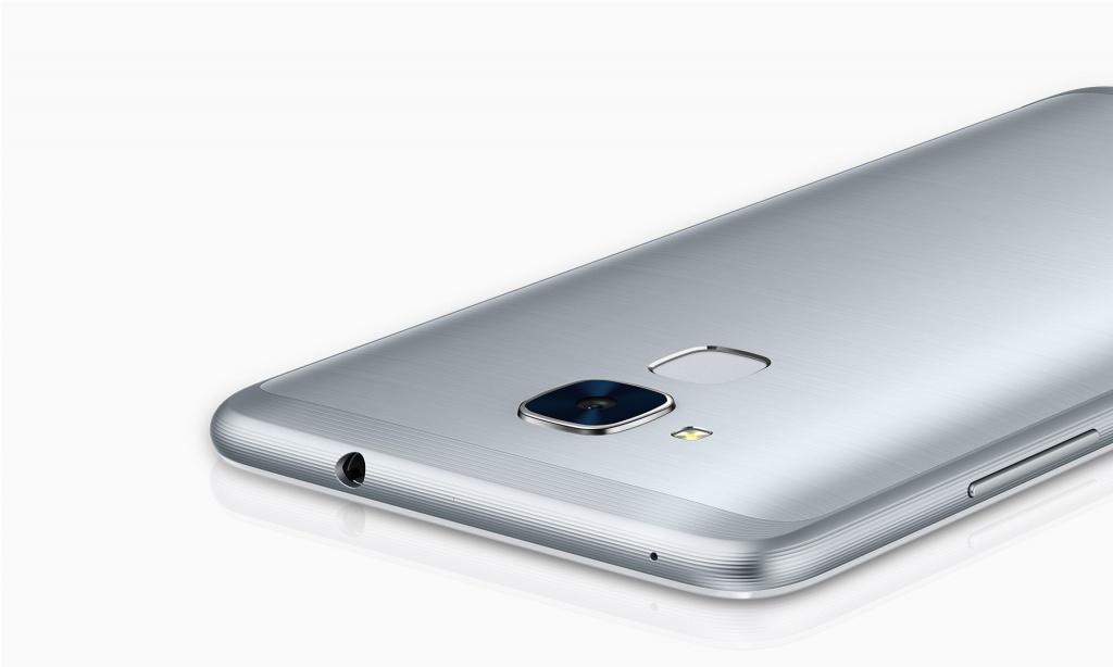 В России скоро начнутся продажи смартфона Honor 5C
