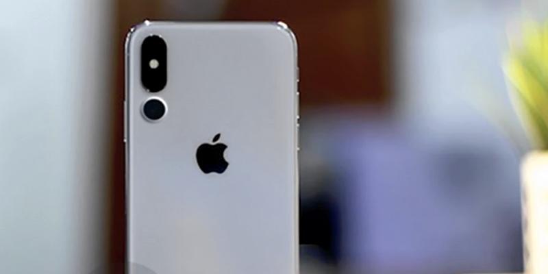 Стало известно, когда выйдет первый iPhone с тройной камерой