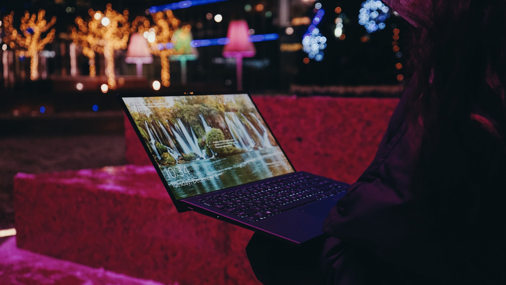 Обзор ASUS ZenBook 14 Ultralight