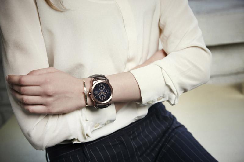 LG представила стильные смарт-часы Watch Urbane
