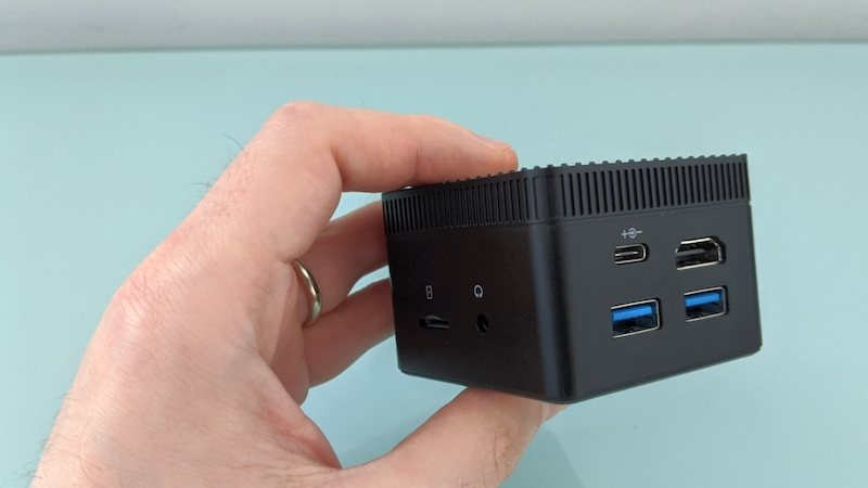 Chuwi-LarkBox-24-inch-mini-PC-review-–-Liliputing.jpg
