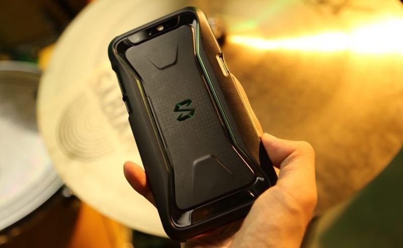 Геймерский смартфон Xiaomi Black Shark показали на живых фотографиях