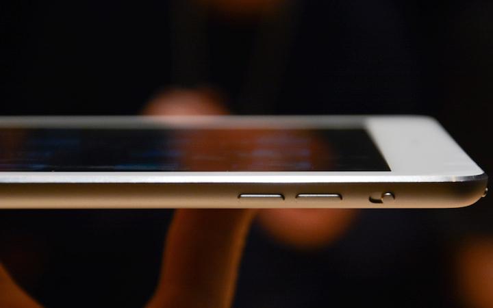 iPad умеет выходить в Интернет, а ты нет.