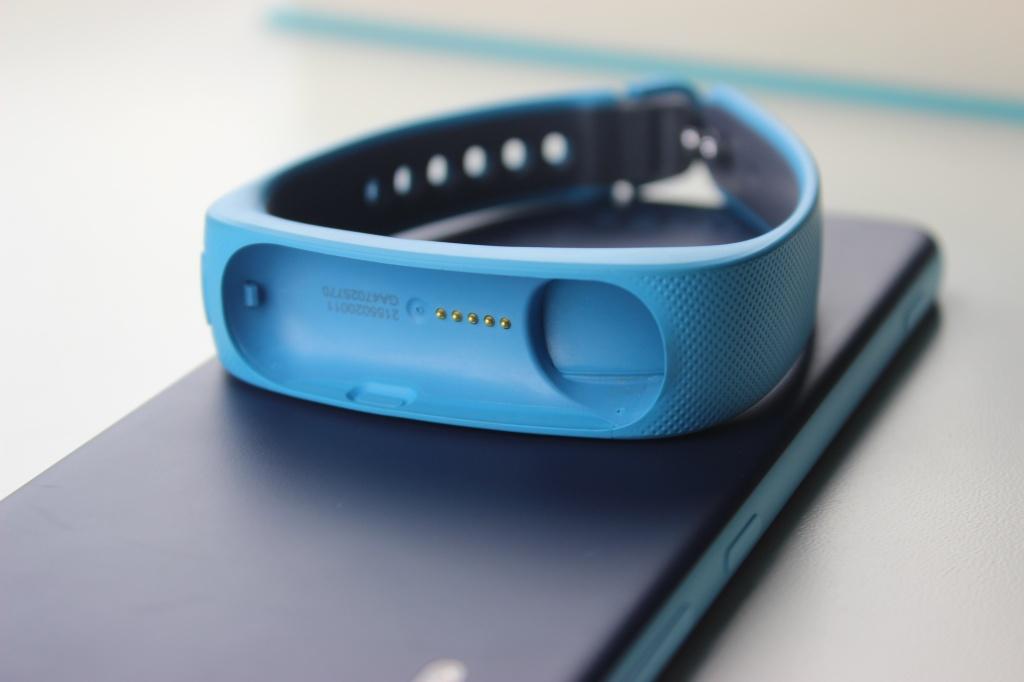 Обзор Huawei Talkband B1. Два в одном: Bluetooth-гарнитура и фитнес-трекер
