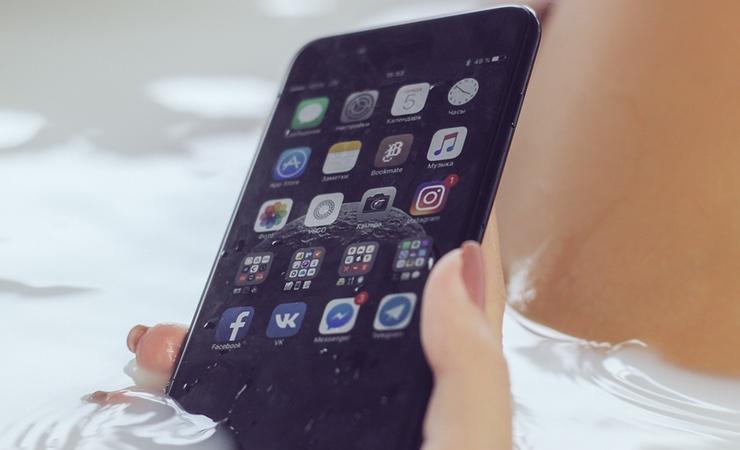 Вопрос от читателя: Зачем Apple обманывает насчет защиты от воды в iPhone 7?