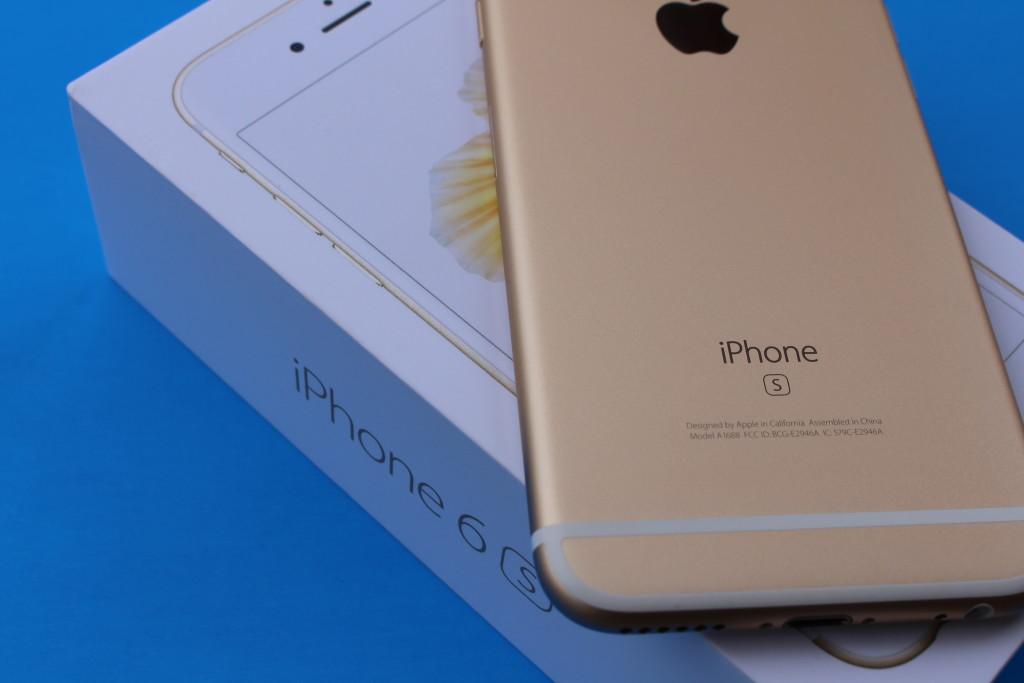 От чего Apple обязана отказаться в iPhone 7?