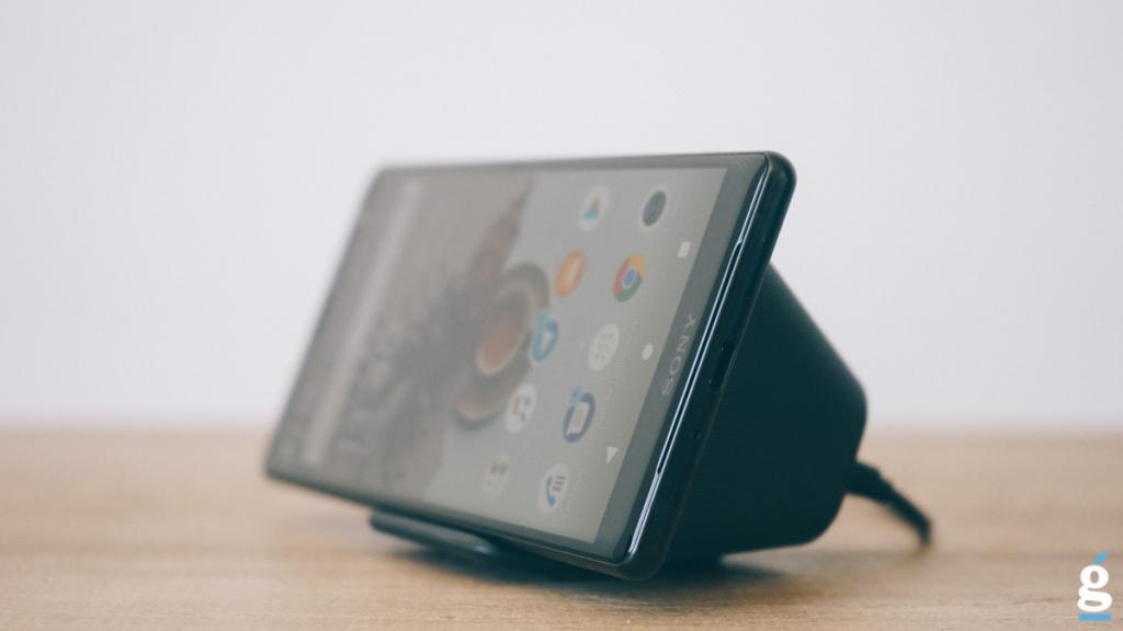 Протестировали самую быструю беспроводную зарядку Sony WCH20 за 7000 рублей. Зарядить быстро не получилось