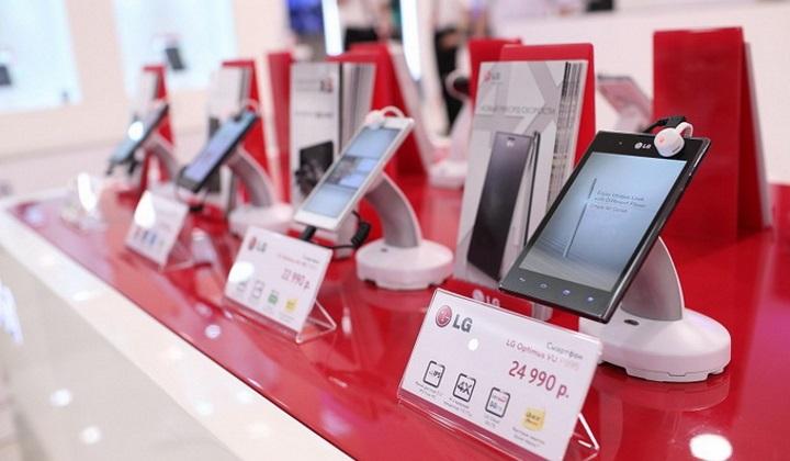 Производители изо всех сил сдерживают цены на смартфоны в России