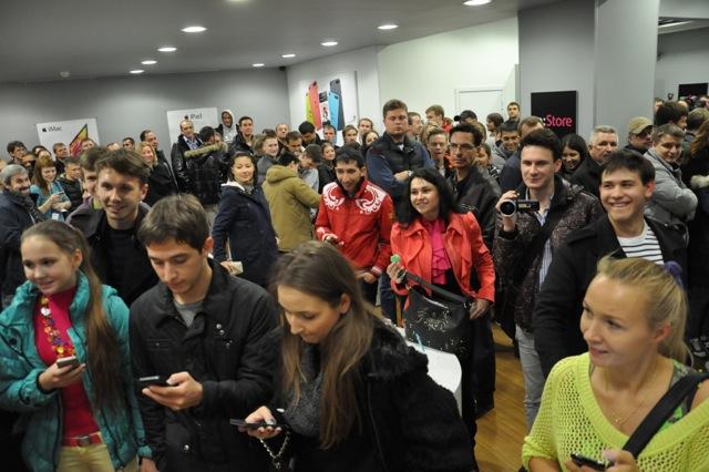 Начало продаж iPhone в России