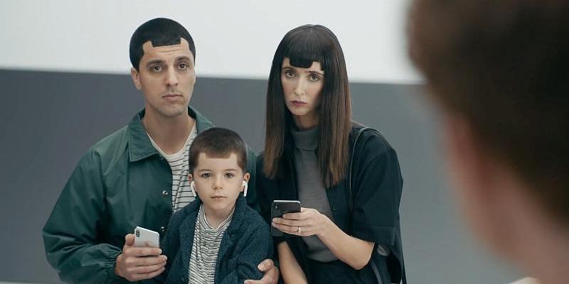 Samsung не остановить — она снова издевается над Apple и iPhone X