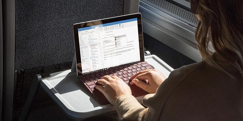 В iFixit советуют аккуратно использовать Surface Go — его практически невозможно отремонтировать