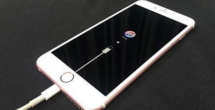 Айфон не включается после обновления